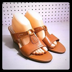 BUTTERSCOTCH LEATHER ROCKPORT WEDGES